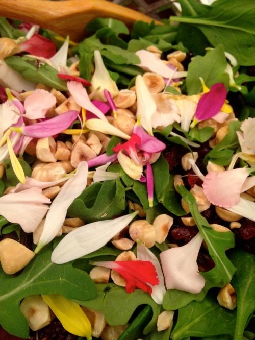 Flowerpetalsalad
